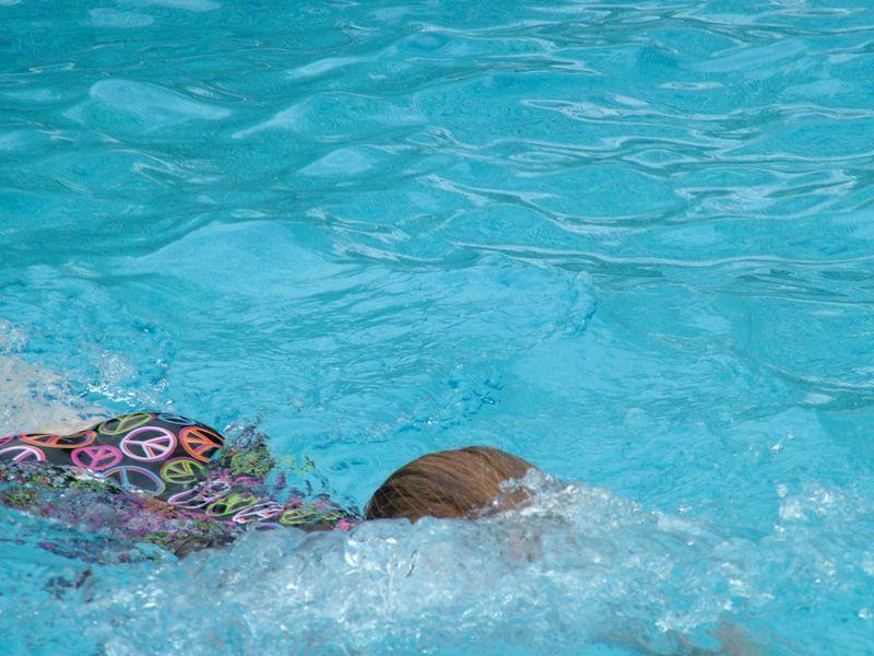03JudySwimming1