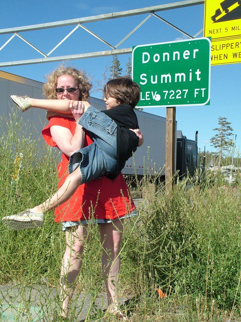 Roy&MommyDonnersPass1