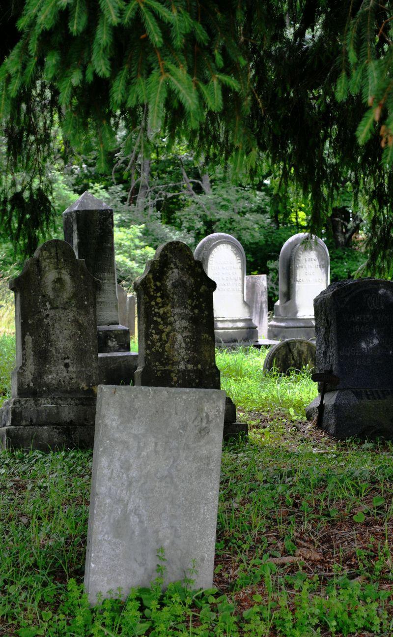 135f_cemetery1b