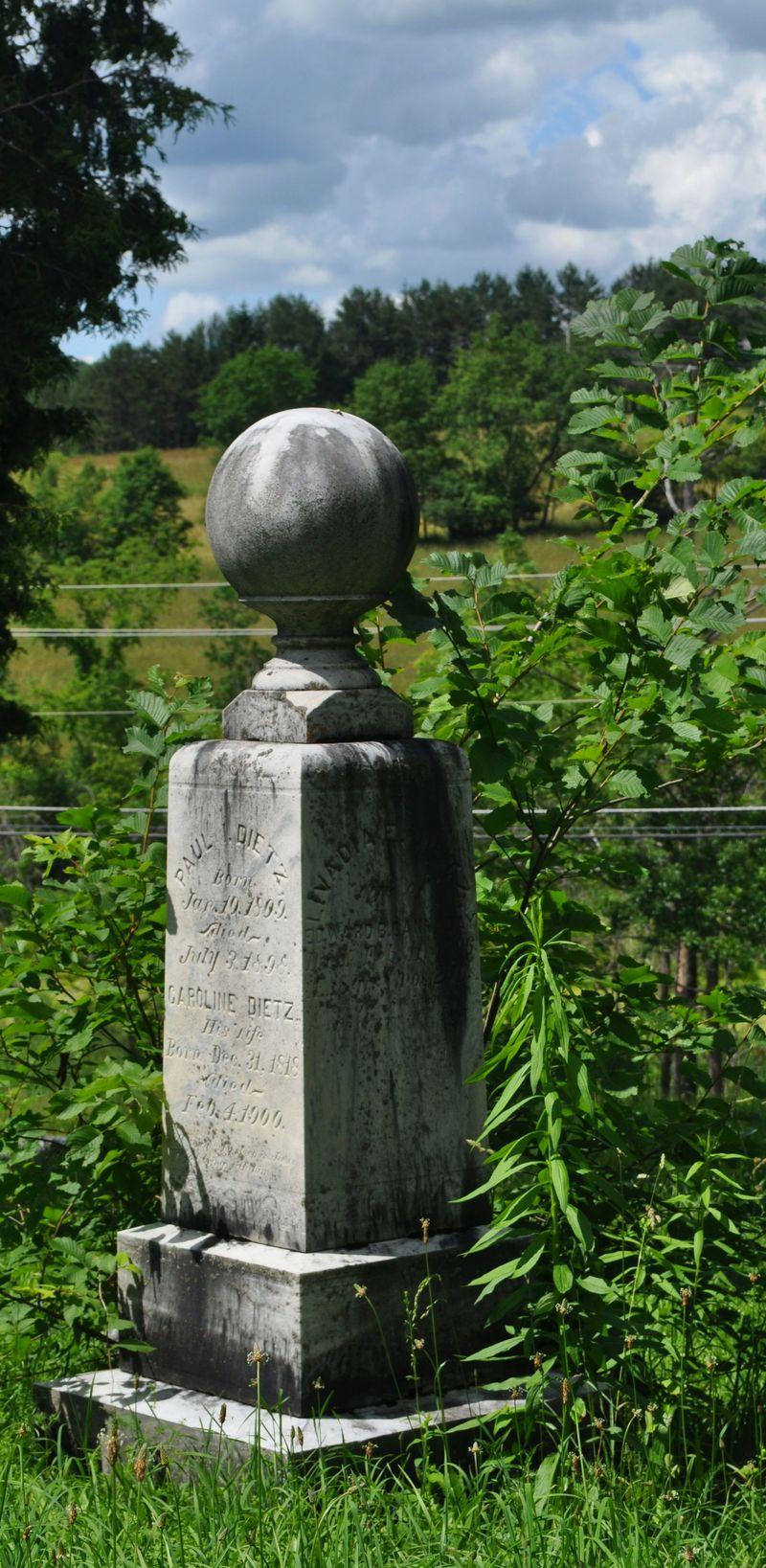 135i_cemetery1
