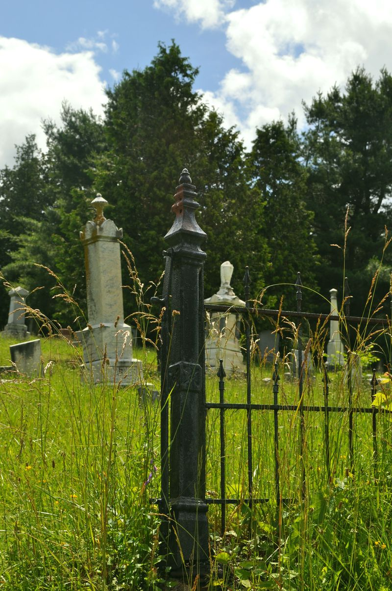135a_cemetery1