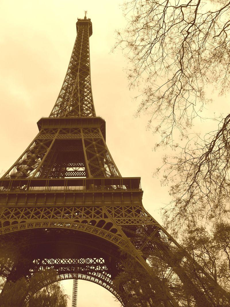 Eiffel7
